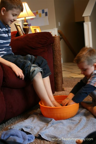 Maundy Thursday: A Family Tradition to Engage in Godly Love 4 | Feasting On Joy